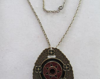 Arabic vintage floral shield Pendant or brooch pin necklace with metal chain