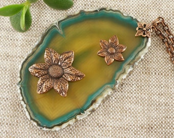 Necklace with green Agate slice, Wild Flowers no.2 (#5470)