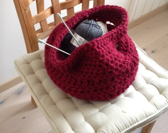 red bassket bag in wool