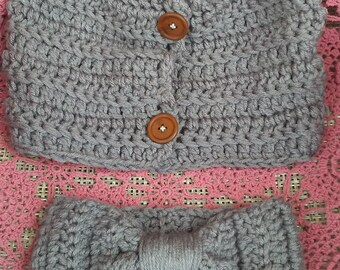 Crochet set of button cowl and headband or ear warmer.