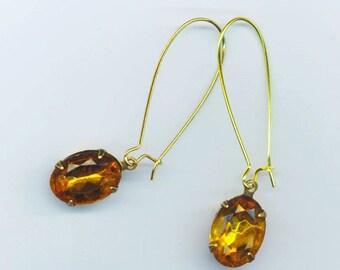 14x10 mm Oval Vintage Rhinestone Swarovski Earrings. Crystal Topaz. Prom, Bridesmaids. Golden Kidney Wires - Jewels by enchantedbeas on Etsy