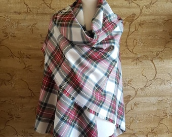 Weathered Dress Stewart Outlandish Shawl with Optional Clan Fraser Pin Selection *FREE SHIPPING*
