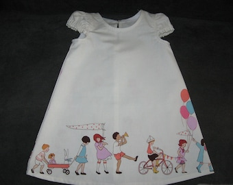 Dress Sizes 1 to 4 Girl Sarah Jane Children on Parade or Summer Horse on Green p
