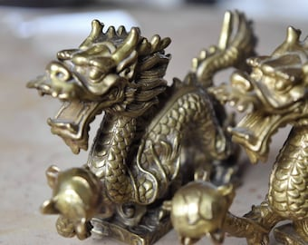 lot of 2 chinese cast bronze dragon statues,paperweight,deco