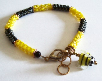 Black and Yellow Busy Bee  hand-beaded    Bracelet         (B-7-111)