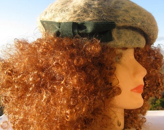 Vintage Beret Style Hat Made in Italy - Genuine Beaver in Soft Sage Green With Pine Green Taffeta Bow