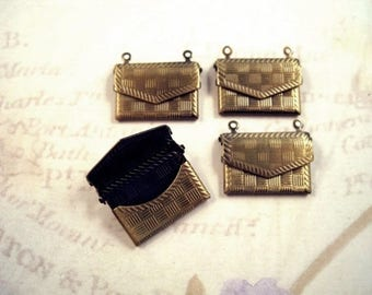 1 envelope of antique bronze metal 2 rings