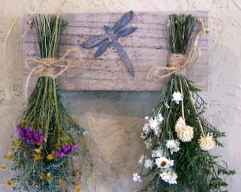 dried flower wall hanging, floral arrangement,  primitive decor, country decor, farmhouse decor, rustic decor