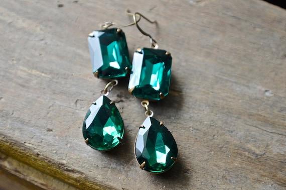 Emerald Green Earrings   Long Dangle Holiday Earrings   Glass Jewels   Cocktail Jewelry   Rustic Brass Settings   Angelina Jolie Ins