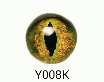 Y008K Glass Eye Cabochon, yellow-green gold, hand painted on fused glass, lightfast, durable. Pointed oval pupil, feline, cat. Single eye