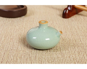 Free Shipping Chinese Calligraphy Material 5.5x3.7cm Green Color Porcelain Water Dropper for Ink Grinding - 0061 Orientalartmaterial Supply