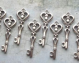 Besora Antique Silver Skeleton Key - Set of 10