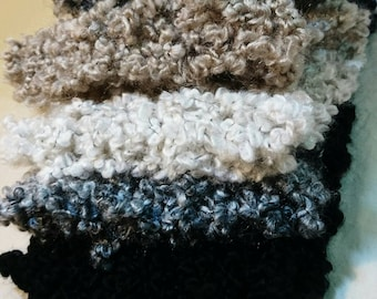 Loose Knit Bulky Scarf