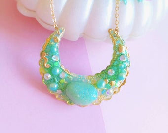 Kawaii Mermaid Moon Necklace, Japanese Fashion, Mahou Kei Necklace, Magical Girl Necklace, Fairy Kei, Gold Necklace,Polymer Clay Necklace