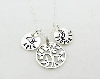 Mothers Day Family Tree Name Necklace - Family Tree Jewelry - Family Necklace - Tree of Life - Mommy Name Jewelry - Mothers Necklace