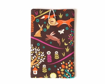 Kindle Cover, Kindle Voyage Case, Padded Sleeve with Pocket for Paperwhite / Oasis Ereaders and Tablets - Forest Animals on Brown