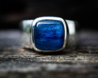 Kyanite Ring Size 7 - Kyanite Cabochon Ring - Kyanite Sterling Silver Ring - Kyanite Ring Size 7 - Blue Kyanite Ring Kyanite Jewelry 7