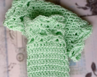 Crochet Fingerless Gloves/Autumn fashion accessories/Christmas gift/Veraman fingerless mittens/Crochet wristwarmers/Pastel green cozy gloves