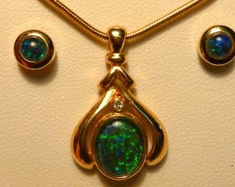 Opal Pendant & Earring Matching Set. Gold Plate # 070996