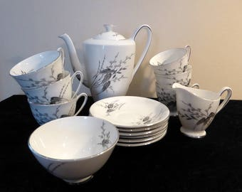Royal Standard bone china coffee set in Giselle design – original from the 1950s