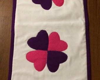 """Handcrafted quilted table runner with Pink & Purple Hearts 16.5"""" x 42"""""""