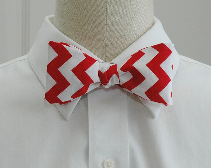 Men's Bow Tie, white/red chevrons, geometric print bow tie, wedding party wear, groom/groomsmen bow tie, holiday bow tie, Christmas tie