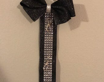 Wall bow holder, holds 10 bows