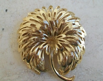 Vintage large gold flower Monet brooch, statement, over sized, signed, Monet jewelry, stemmed flower gold tone metal, different, colletible