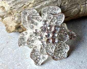 Large Silver Rhinestone Flower Brooch Flat Back Embellishment Pin Clear Crystal Broach Wedding Silver Tone Brooch Bouquet Silver Pin sc8