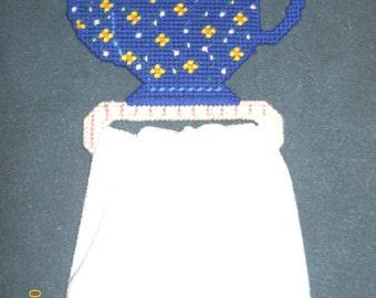 Blue Tea Pot towel holder in Plastic canvas