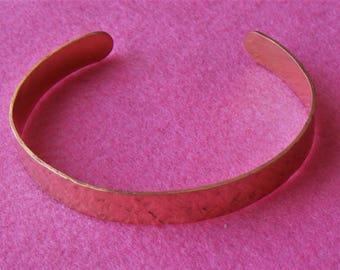 Cuff copper textured