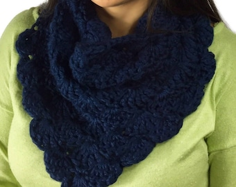 Chunky Shell Cowl, Infinity Scarf, Crochet Cowl, Navy Blue Scarf, Circle Scarf, Navy Blue cowl, Fall Fashion, Winter Fashion, Ready To Ship
