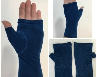 Navy blue hand-dyed fingerless gloves, wrist warmers in bamboo blend.