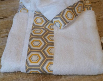 Hooded Bath Towel-Baby Size Hooded Towel Set with Yellow and Grey Hexagon Trim