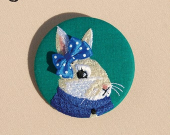 Embroidered brooch bunny Ernestine
