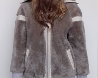 Faux fur shaggy beige vintage coat from the 1970's - free size