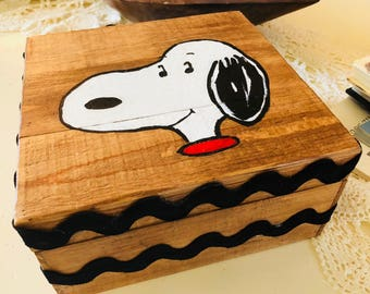 Peanuts-themed Keepsake Box