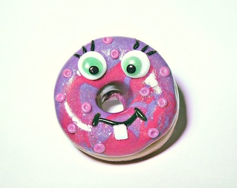 kawaii doughnut badge, doughnut pin, doughnut, badge, brooch, pin