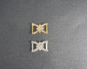 One Diamond shaped rhinestone middle connectors small silver or gold toned