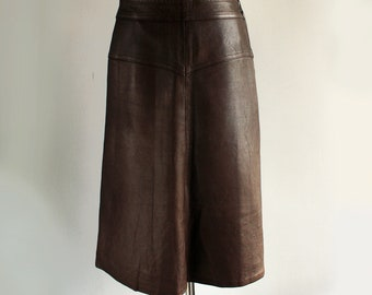 Vintage brown leather skirt , midi A line , lined , size medium , chocolate brown genuine leather , Finland Aitoa Nahkaa 70's