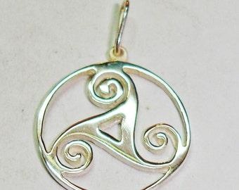 Trisquel Sterling silver pendant, Celtic Pendant