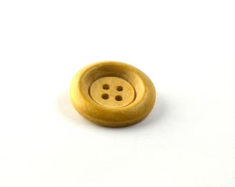Wooden button natural diameter 23 mm 4 holes