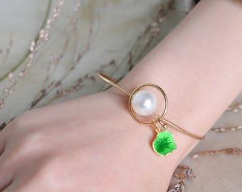 Pearl Enamel Bracelet