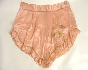 vintage Panties Flapper Lingerie 20s 30s Peach Silk Underwear Tap Pants French Knickers Antique Clothing Embroidered Flower PettiPants M