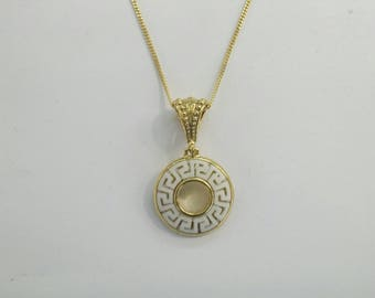 Greek key pendant in gold plated silver 925 set with white Greek marble