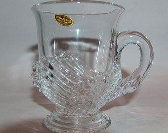 p7720: SCARCE Cambridge Swan Punch Cup with the  Original Label Sticker #1221 Vintage Clear Glass Vintageway Furniture