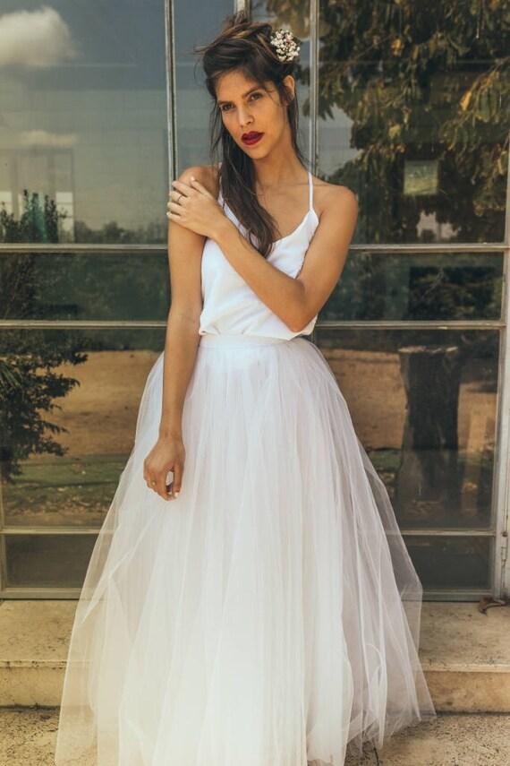 Flowy wedding dress for summer / Open back flowy wedding dress