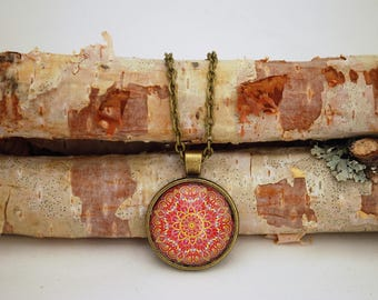 Kaleidoscope Bronze Small Pendant Necklace