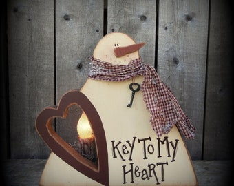 K186 Key To My Heart Valentine Primitive Lighted Wood Pattern