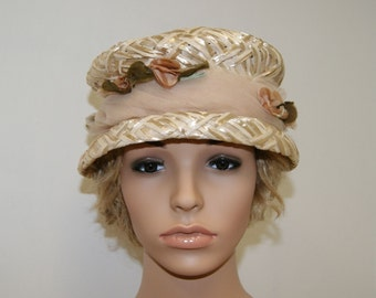 Vintage 50's Ivory Straw Hat With Flowers and Veil Band